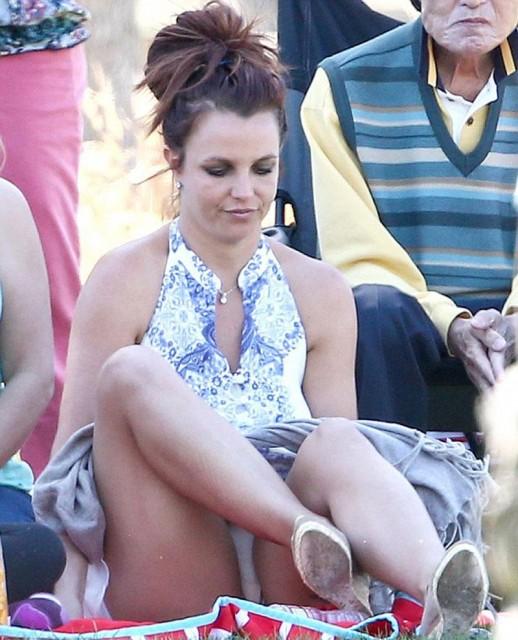Britney Spears panty upskirt