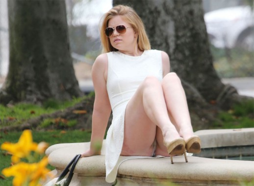 Lauren-Ashley panty upskirt