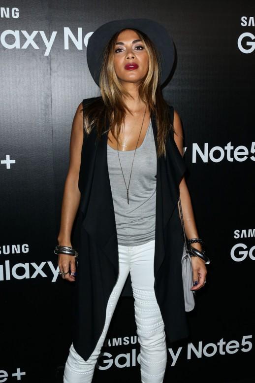 Nicole Scherzinger braless see through