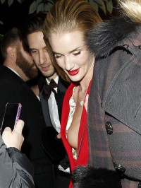 Rosie Huntington-Whiteley boob slip
